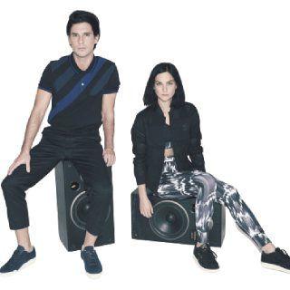 Reebok Online Sale: Get Upto 60% off on Reebok Shoes, Sportswear & more